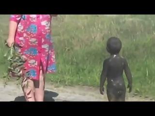 Первый контакт с пришельцами в деревне Уникальные редкие кадры черные человечки учит младенца разговаривать прикол 2013 2014 студенты комедия