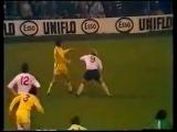 Лидс - Дерби, 1 ноября 1975. Норман Хантер vs Фрэнк Ли (боксерский поединок прямо на футбольном поле)